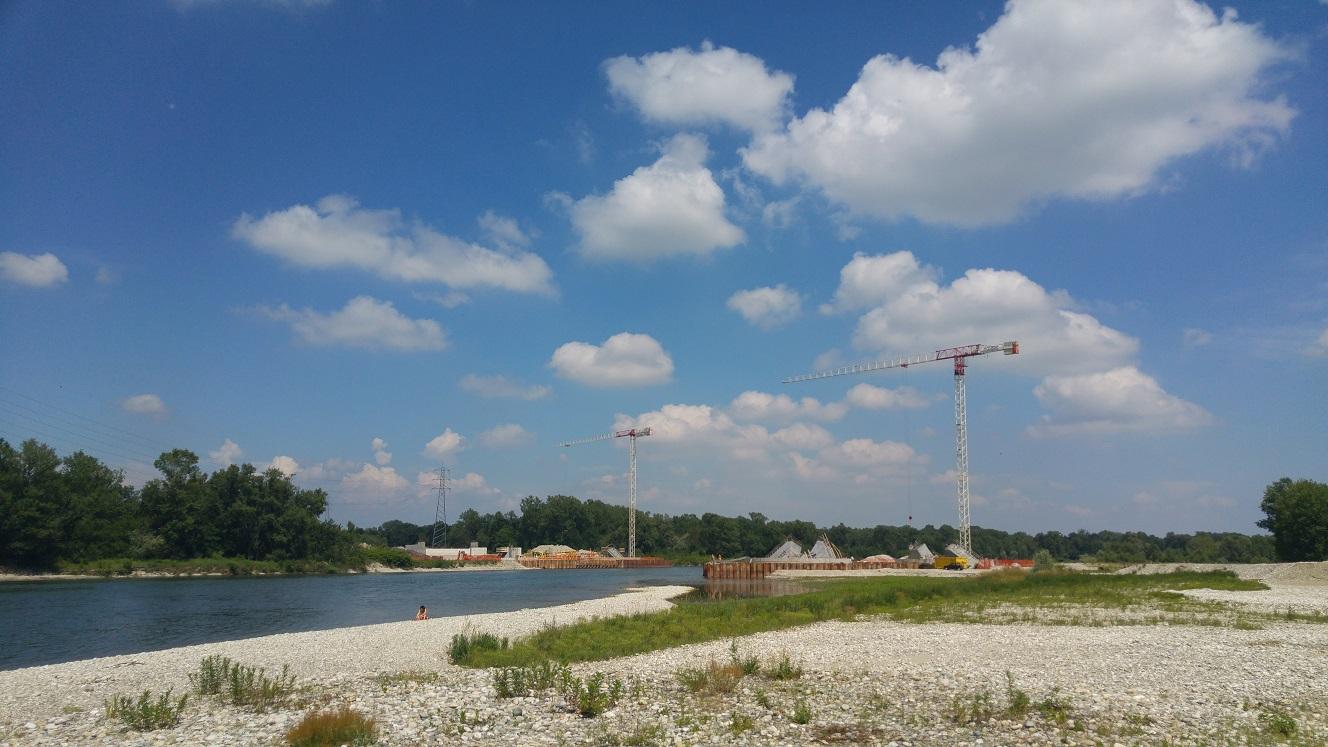 und weiter Unten bauen sie den nächsten Vergnügungspark für Kanuten